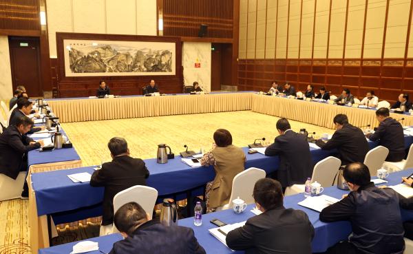 毛伟明:坚持人民至上安全第一 全力推进九项重点工程建设